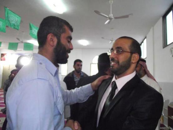 أسير محرر ومبعد من الضفة يعقد قرانه على فتاة غزّية