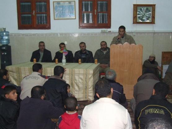 استضافة حماس عدد من الأسرى المحررين بالنصيرات