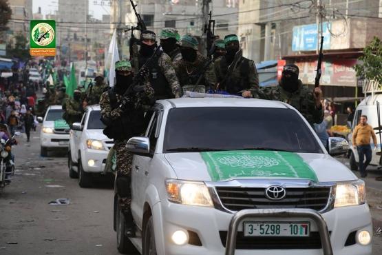 عرض عسكري في ذكرى انطلاقة حماس الـ30