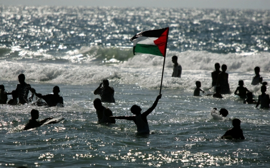 فرحة التحرير وهروب المحتل
